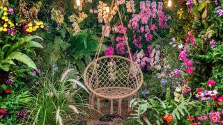 5 sillones colgantes de jardín perfectos para disfrutar de la naturaleza en casa
