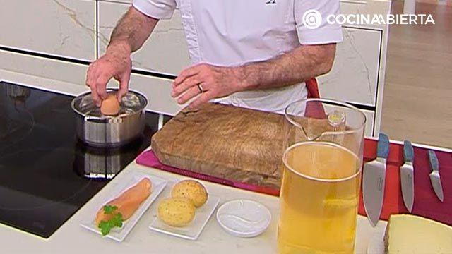 Sopa de ave con patata, receta fácil y rápida por Karlos Arguiñano - paso 1