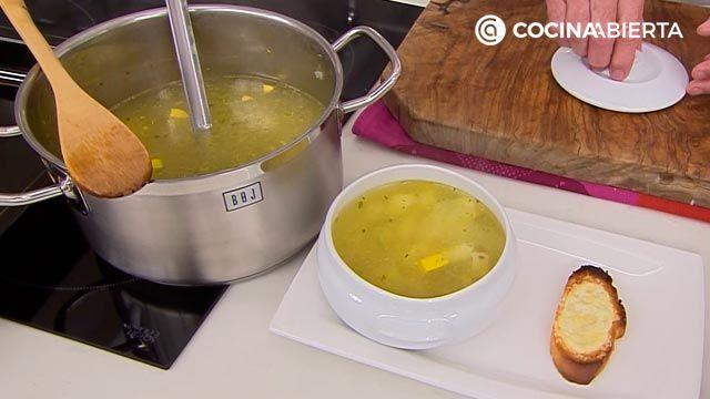 Sopa de ave con patata, receta fácil y rápida por Karlos Arguiñano - paso 5
