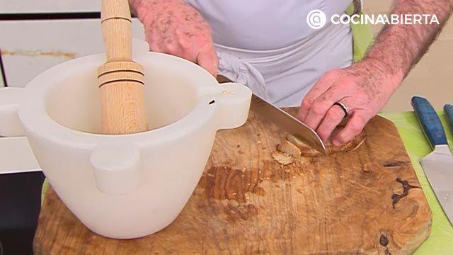 Suquet de Peix por Karlos Arguiñano, un guiso de pescado tradicional de la cocina catalana - paso 3