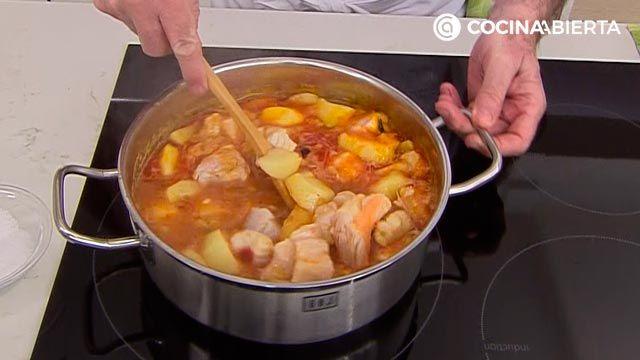Suquet de Peix por Karlos Arguiñano, un guiso de pescado tradicional de la cocina catalana - paso 4