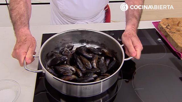 Tallarines con mejillones por Karlos Arguiñano - paso 1
