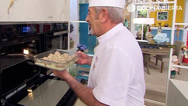 Albóndigas gratinadas al horno con salsa velouté, la deliciosa receta de Karlos Arguiñano - paso 6