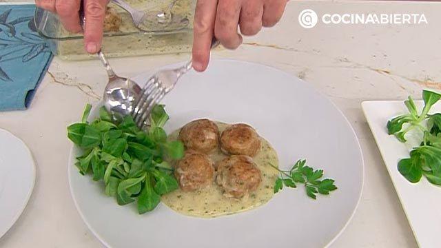 Albóndigas gratinadas al horno con salsa velouté, la deliciosa receta de Karlos Arguiñano - paso 7