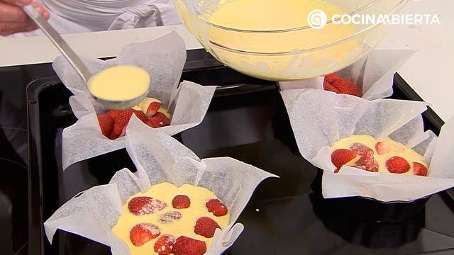 Clafoutis de fresa por Karlos Arguiñano, una tarta de origen francés muy fácil de hacer - paso 3