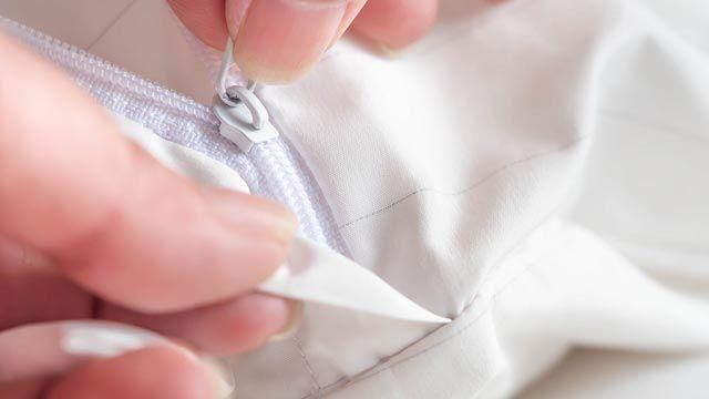 Cómo lavar y secar las almohadas (rellenos y fundas)