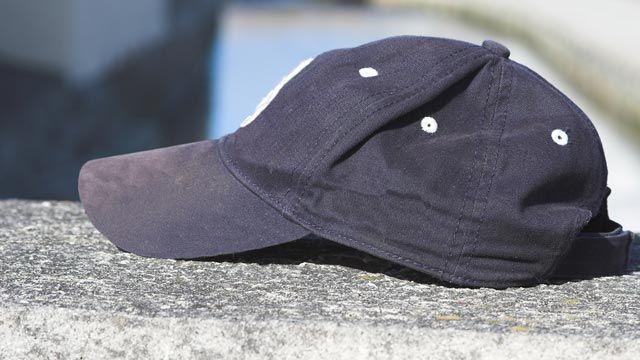 Cómo lavar y secar una gorra