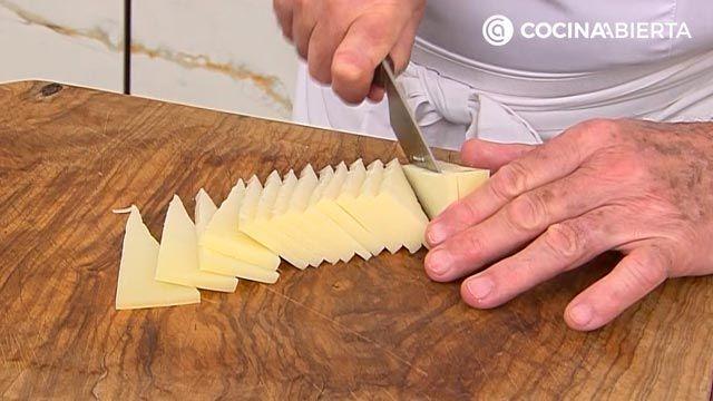 Ensalada de espinacas frescas, queso y albaricoques: la receta original y el aliño especial de Karlos Arguiñano - paso 4