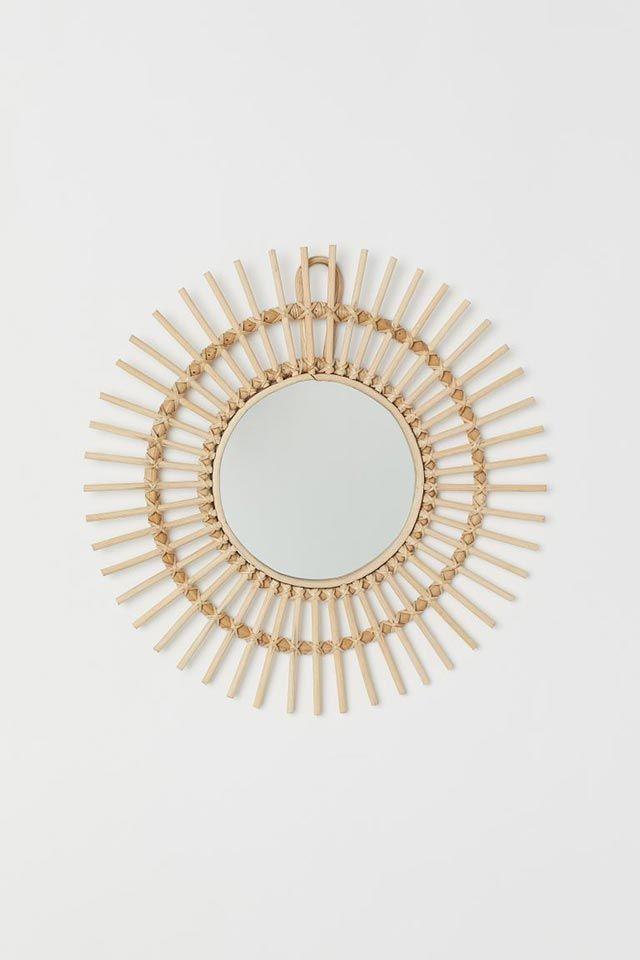 Espejo con marco de mimbre de H&M Home