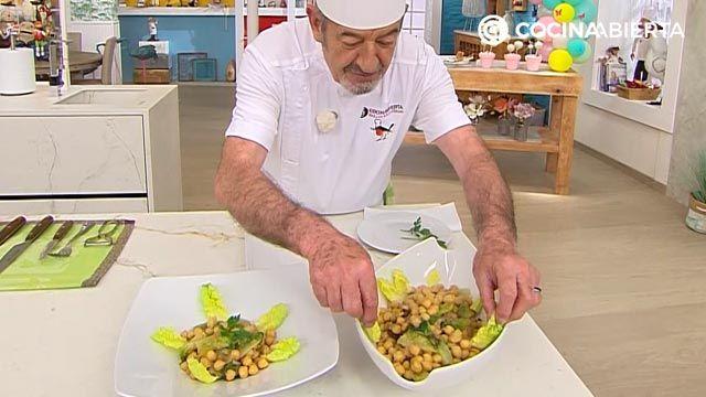 Garbanzos con cogollos y pasas por Karlos Arguiñano: ¡una receta al estilo siciliano! - paso 4