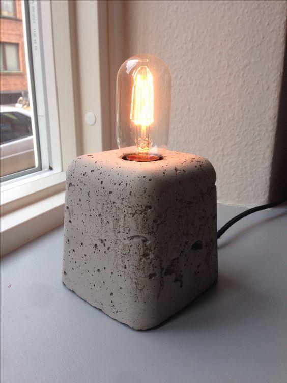 Lámpra de cemento de mesa