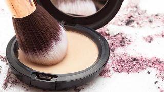 Cómo hacer el maquillaje blindado paso a paso - Polvos compactos