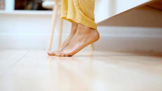 Síndrome de las piernas inquietas: qué es y cómo puedo saber si lo tengo - Necesidad de mover las piernas