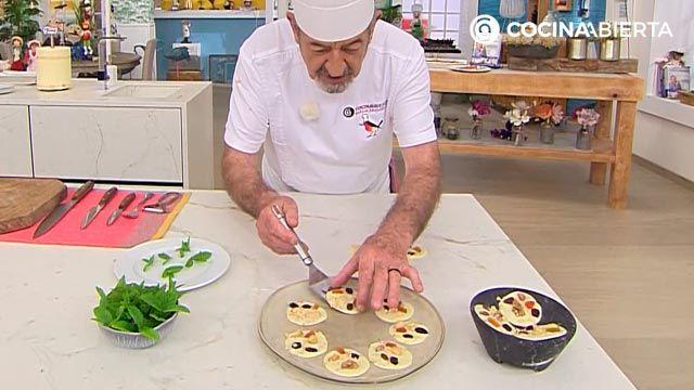Botones de chocolate blanco (con frutos secos y frutas deshidratadas): ¡un postre muy fácil sin horno de Karlos Arguiñano! - paso 4