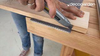 Cómo hacer un cabecero con revestimientos decorativos - Paso 6