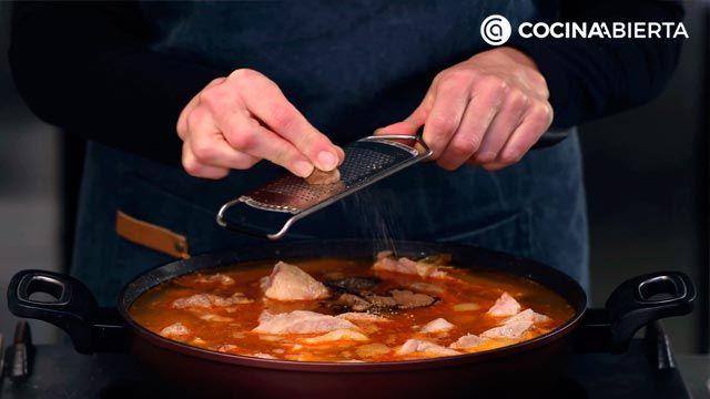 Arroz Brut, así se prepara el arroz caldoso especiado típico de Mallorca - Paso 4