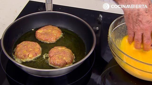 Filetes rusos con queso (con setas y salsa de tomate), la receta original de Karlos Arguiñano - paso 4