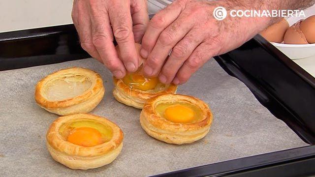 Huevos en hojaldre con crema de champiñones por Karlos Arguiñano: ¡cómo hacer volovanes rellenos al horno! - paso 3