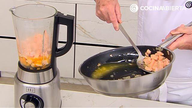 Pastel de judías verdes y salmón (al horno) por Karlos Arguiñano: ¡un entrante para compartir muy fácil de hacer! - paso 3