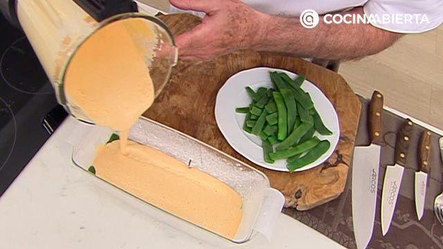 Pastel de judías verdes y salmón (al horno) por Karlos Arguiñano: ¡un entrante para compartir muy fácil de hacer! - paso 4