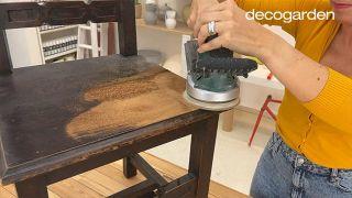 Pintar una silla de madera vieja de estilo mexicano - Paso 2