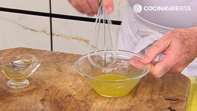 Pintxo de anchoa y rúcula con crema de zanahoria: ¡un aperitivo fácil y rápido de Karlos Arguiñano! - paso 4