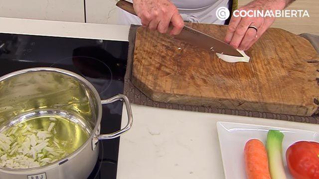 Sopa de fideos con mejillones: una receta fácil con sabor a mar de Karlos Arguiñano - paso 1