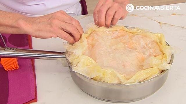 Tarta tatín de albaricoques (con pasta filo), la receta más fácil de Eva Arguiñano - paso 4