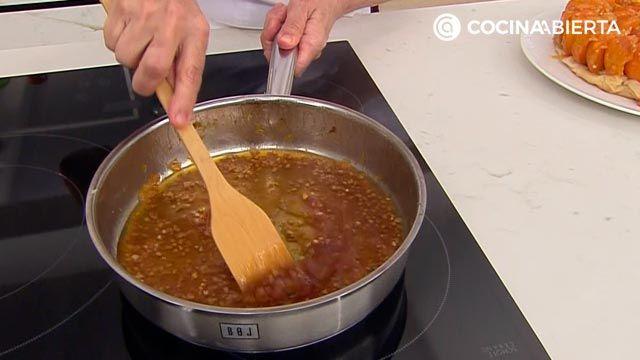 Tarta tatín de albaricoques (con pasta filo), la receta más fácil de Eva Arguiñano - paso 5