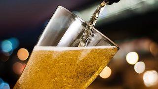 6 cuidados naturales para un cabello brillante - Cerveza
