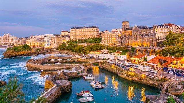 Biarritz, la ciudad costera de Iparralde que homenajeamos con esta manualidad