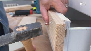 como tunear una cómoda con madera paso 4