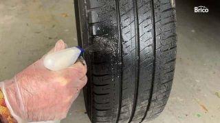 Cómo arreglar un pinchazo de la rueda de coche paso 12