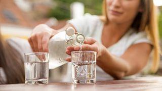 Consejos para dormir bien cuando hace calor - Una buena hidratación