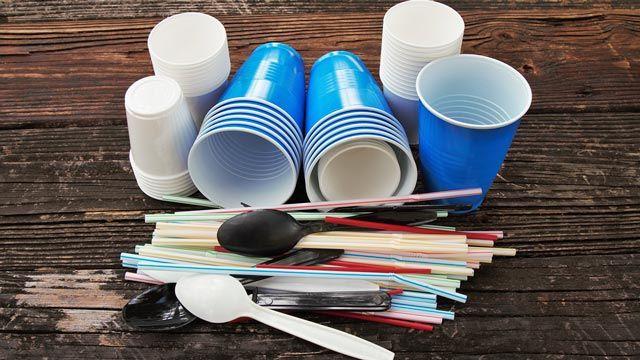 Plásticos de un solo uso que ha prohibido la Unión Europea