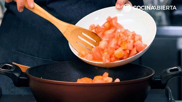 Arroz con habichuelas, un plato típico de la cocina murciana - Paso 3