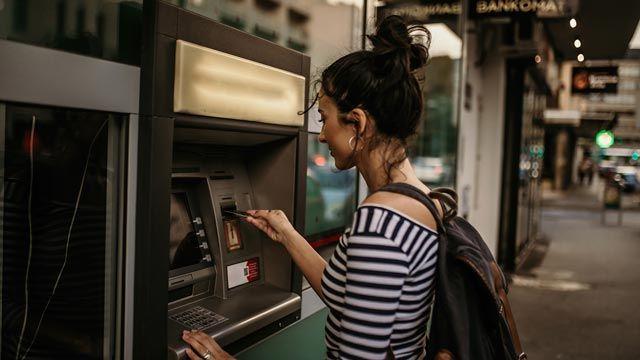Cuáles son las comisiones de los bancos y cómo evitarlas