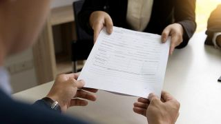 Cuáles son las comisiones que cobra un banco y cómo evitarlas