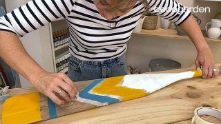 Cómo pintar un remo de madera - Paso 8