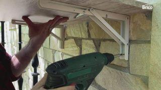 Colocar mesa plegable en el balcón paso 4