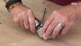 arreglar un grifo que gotea bimando paso 4