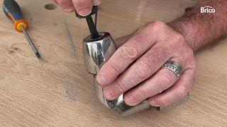 arreglar un grifo que gotea bimando paso 1