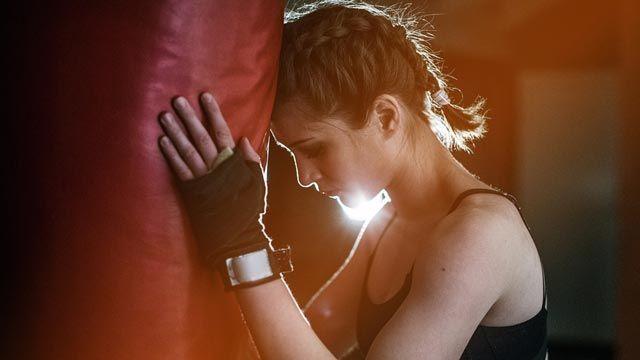Cómo hacer las trenzas de boxeadora en cabello corto