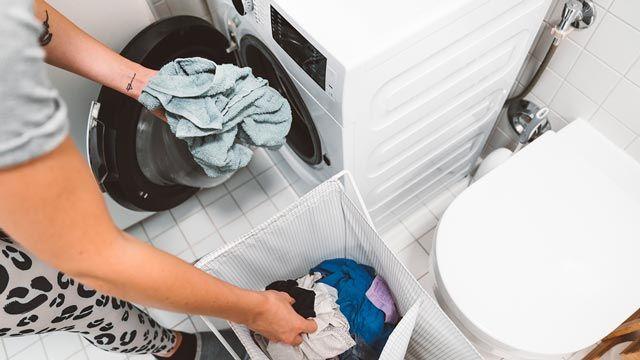 Cómo lavar la ropa de deporte y evitar que huela mal
