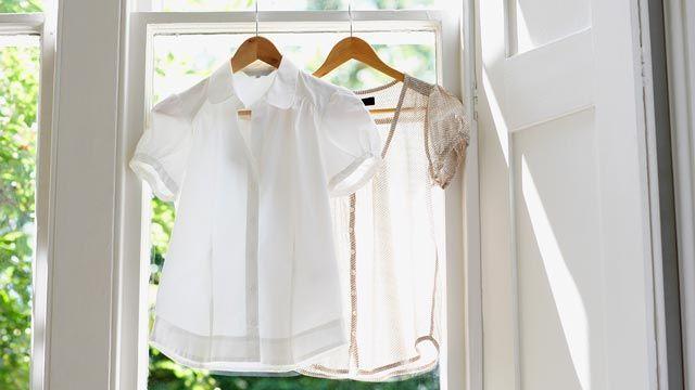 Cómo lavar y secar las prendas de satén