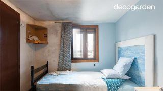 Dormitorio iluminado y fresco en azul - Antes y después
