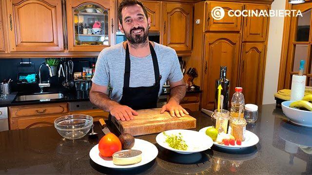 Ensalada de aguacate, tomate y bonito (con un aliño especial): ¡Joseba Arguiñano cocina desde casa! - paso 1