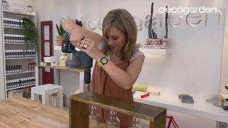 Florero de madera con botellas de vidrio recicladas - Paso 11