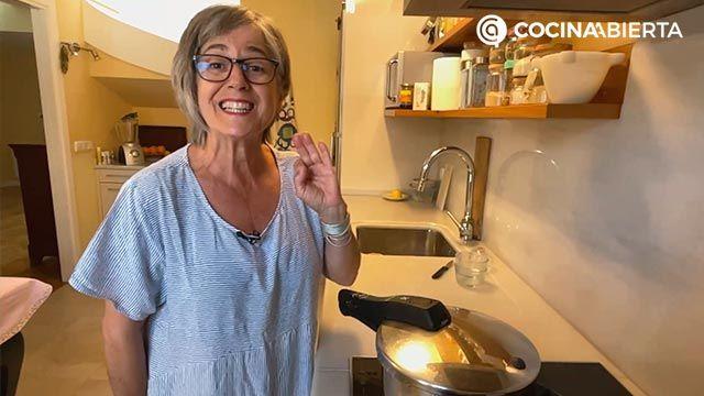 Arroz caldoso con pollo y verduras, una receta rápida y sabrosa: ¡Eva Arguiñano cocina desde su casa! - paso 3