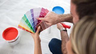 La regla 60-30-10 para combinar colores, ¡y no fallar pintando las paredes!
